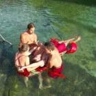 Vervoers- en bevrijdingsgrepen bij zwemmend redden