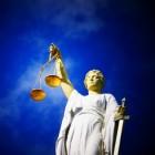 Wat zijn de kenmerken van een rechtsstaat?
