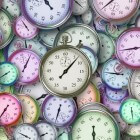 Wat doen we met onze tijd: beleven of geleefd worden?