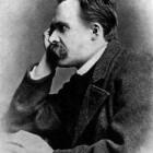 """Wat bedoelde Nietzsche met de uitdrukking """"God is dood""""?"""
