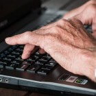 Leeftijdsdiscriminatie op het werk voorkomen