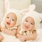 Met een baby tweeling wandelen en reizen