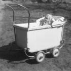 Kinderwagen of baby dragen?