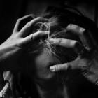 Waarom thuisblijfmoeders zich vaak ongelukkig voelen