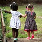 Hoe kinderen vriendschappen kunnen sluiten