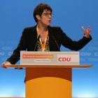 Wie is CDU-partijvoorzitter Annegret Kramp-Karrenbauer?