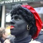 Zwarte Piet zonder oorringen - cosmetische aanpassingen