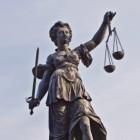 Immuniteit of niet-vervolging van criminele staatshoofden