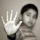 Een kind helpen dat psychisch mishandeld wordt