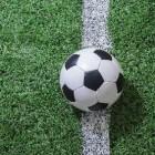 In het profvoetbal moeten statistisch gezien homo's spelen