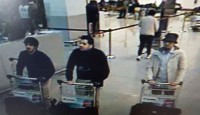 De drie daders in de luchthaven van Zaventem / Bron: None (CCTV system), Wikimedia Commons (Publiek domein)